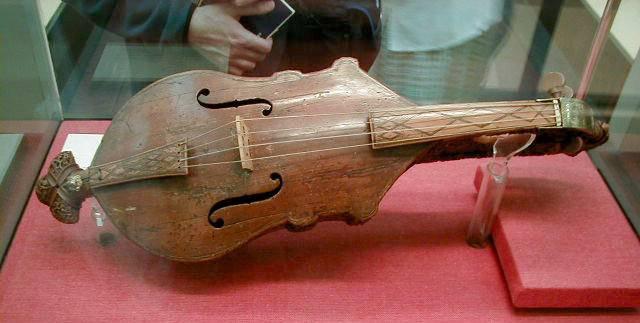 小提琴是由东方乐器胡琴改造的吗?