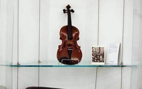 爱因斯坦的小提琴