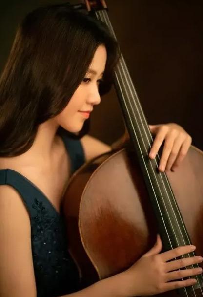 大提琴李拉