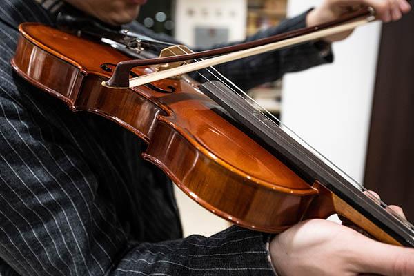 如何判断一把小提琴质量的好坏