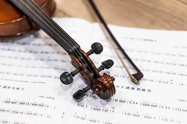 小提琴的指法与音色有什么关系