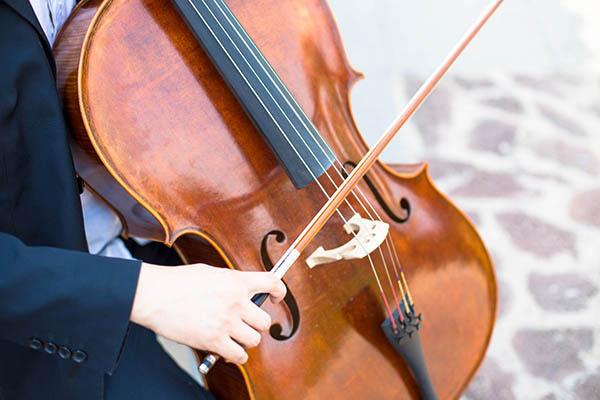 学习大提琴之前最好学一点钢琴