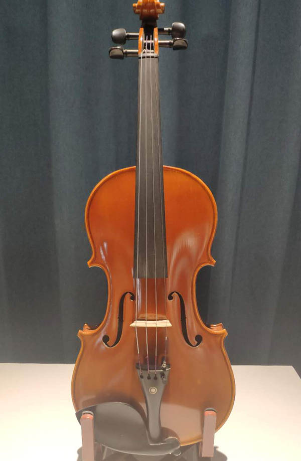 4/4高档独奏小提琴