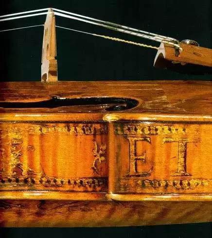 法皇九世小提琴