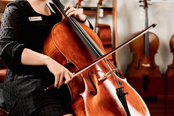巴哈无伴奏大提琴组曲:众多版本,怎么听?