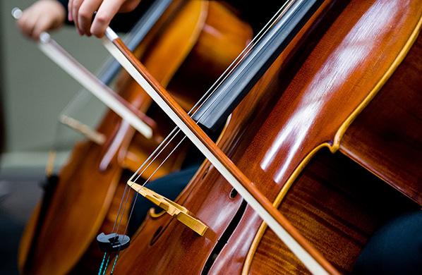 只听过巴哈的无伴奏大提琴作品吗?试试这些人的无伴奏作品!