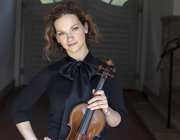 杰出的美国小提琴家希拉里·哈恩