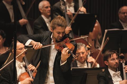 2013年与祖宾·梅塔指挥的以色列爱乐乐团合作演出